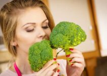 Why Does Broccoli Smell? (And How to Cook it Without Smell?)